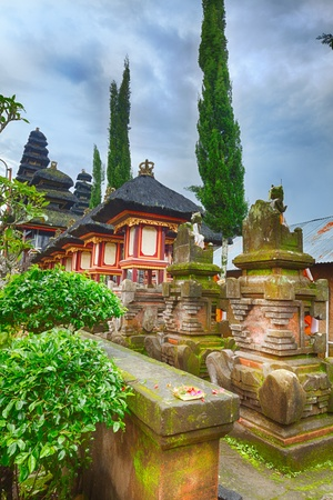 hindu temple: Detail of traditional balinese hindu temple