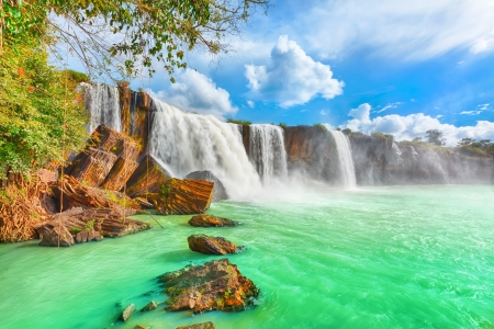 Beautiful Dry Nur waterfall in Vietnam   Banco de Imagens