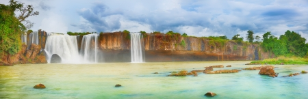 Beautiful Dry Nur waterfall in Vietnam  Panorama Banco de Imagens