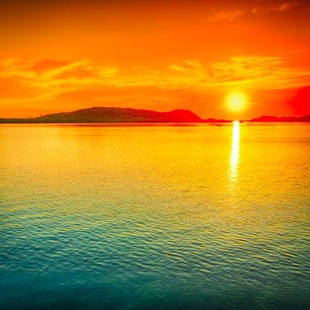 sunrise beach: Amazing sunset over the sea.