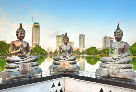 Seema Malaka-tempel op Beira-meer. Colombo, Sri Lanka