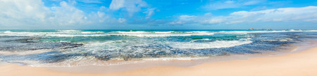 olas de mar: View of the Indian ocean. Panorama