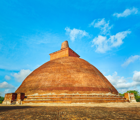 dagoba: Jetavanaramaya dagoba in the ruins of Jetavana in the sacred city of Anuradhapura, Sri Lanka