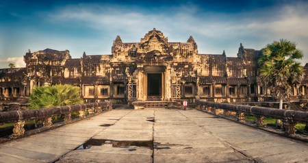 Angkor Wat temple at sunset. Siem Reap. Cambodia. Panorama Archivio Fotografico - 119792653