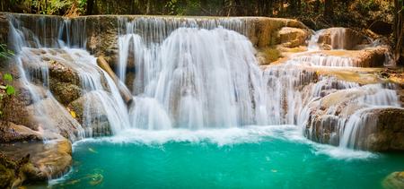Beautiful waterfall Huai Mae Khamin at Kanchanaburi Province in west Thailand. Panorama Banco de Imagens