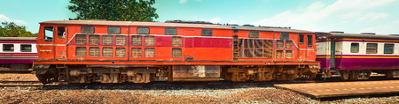 Old train locomotive at Thonburi station, Thailand railway, Bangkok Standard-Bild