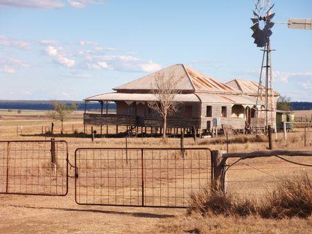 drought: Outback Queensland casa de campo, Australia.  Foto de archivo