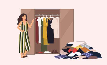 Sonriente niña de pelo largo de pie frente a armario abierto con ropa colgando dentro y pila de ropa en el piso. Concepto de armario cápsula minimalista. Ilustración de vector de dibujos animados de estilo plano.