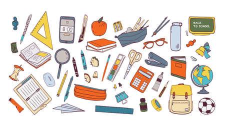 Collecte de fournitures scolaires ou de papeterie. Ensemble d'accessoires pour les cours, articles pour l'éducation des élèves intelligents et des étudiants isolés sur fond blanc. Illustration vectorielle dessinés à la main coloré