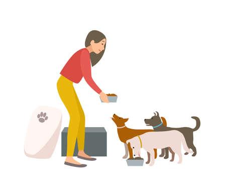 Amable voluntario hembra alimentando perros en un refugio de animales o en una perrera Mujer joven dando comida a cachorros sin hogar aislados sobre fondo blanco. Ilustración de vector colorido en estilo de dibujos animados plana.