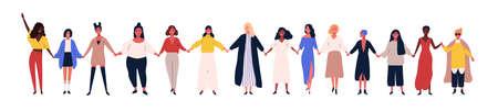 Szczęśliwe kobiety lub dziewczyny stojące razem i trzymające się za ręce. Grupa przyjaciółek, związek feministek, braterstwo. Płaskie postaci z kreskówek na białym tle. Kolorowa ilustracja wektorowa