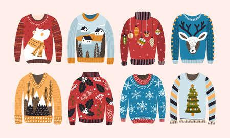 Colección de feos suéteres navideños o suéteres aislados sobre fondo claro. Paquete de ropa de invierno de lana tejida con varios estampados. Ilustración de vector colorido en estilo de dibujos animados plana