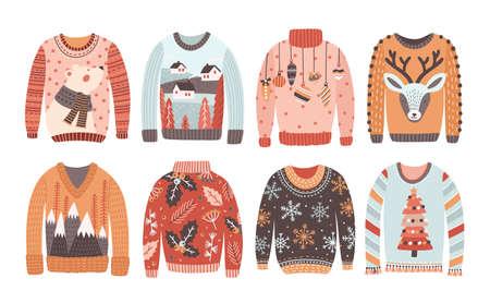 Insieme dei maglioni o dei ponticelli brutti di Natale isolati su fondo bianco. Collezione di vestiti a maglia per le vacanze invernali con stampe e motivi bizzarri. Illustrazione vettoriale colorata in stile cartone animato piatto Vettoriali