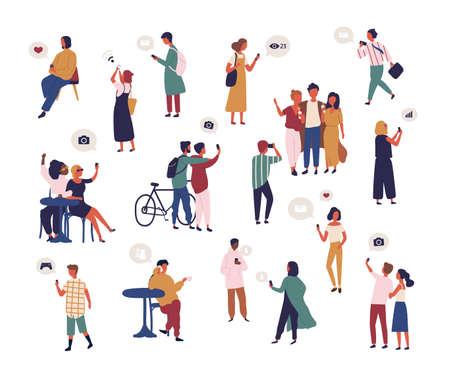 Groupe de personnes vérifiant les médias sociaux, prenant un selfie, essayant de capter le signal wifi avec un smartphone. Collection d'hommes et de femmes surfant sur Internet sur téléphone mobile. Illustration vectorielle de dessin animé plat.
