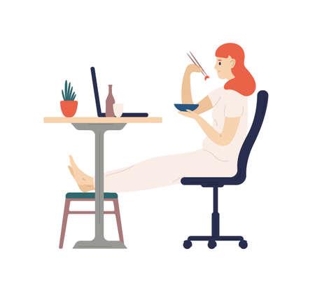 Linda chica sonriente cenando con palillos y viendo películas en la computadora portátil. Adorable joven cenando en casa. Actividad recreativa diaria. Ilustración de vector colorido de dibujos animados plana