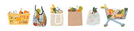 Conjunto de ilustraciones vectoriales planas de bolsas y cestas de la compra. Compras de comestibles, paquetes de papel y plástico, bolsas de tortuga con productos. Alimentos naturales, frutas y verduras orgánicas. Productos de grandes almacenes.