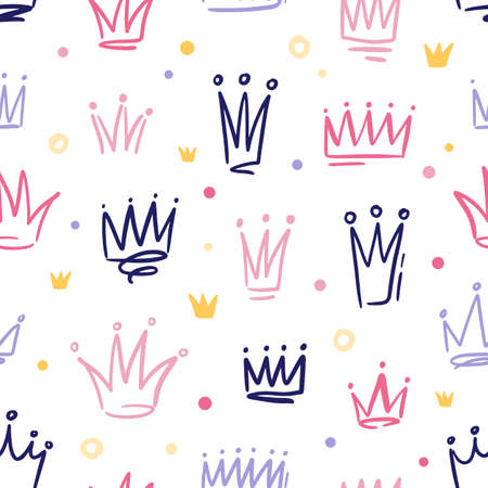 Seamless pattern with cute doodle queen or princess crowns in childish style. Hand drawn girly background with royal symbols. Vector cartoon illustration isolated on white 矢量图像