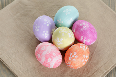 painted eggs: easter eggs with flowers, handmade painted eggs