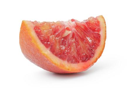 segmento: segmento de naranja madura rojo sangre aislado