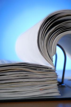 registros contables: Primer plano de un archivo de documento abierto Foto de archivo