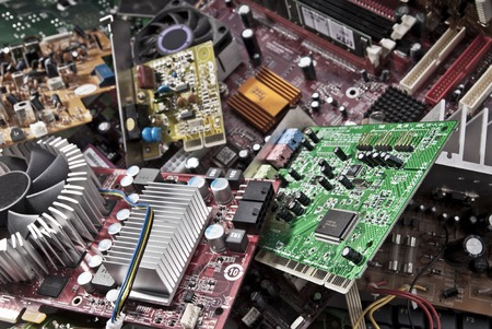 多くの古いコンピュータ ボード