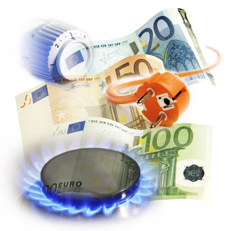 gas flame: Thermostat, plug and flame from a gas stove with euro bills symbolizing the cost of energy supply  Stock Photo