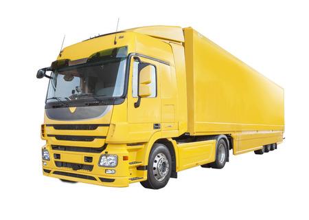 Große gelbe LKW isoliert auf weißem Hintergrund