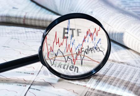虫眼鏡は、ETF、ファンドや株式のコースを示しています