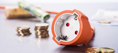 硬貨と紙幣付きソケット 写真素材