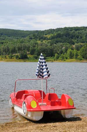 pedal: Pedal boat