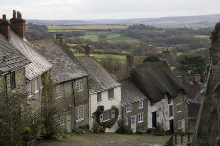shaftesbury: Cobbled street on hill in Shaftesbury, Dorset, England