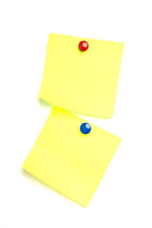 2 post it notes isolated on white with drawing pins. Standard-Bild
