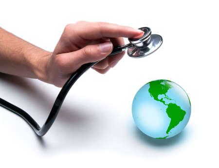 Concepto para el cuidado de la salud mundial, cuidar el planeta. Aislados en blanco.