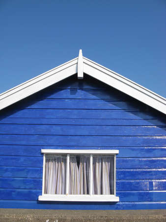 suffolk: Blue beach hut on sunny day in Southwold, Suffolk, England, UK Stock Photo