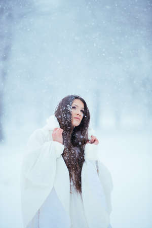 Alone in the snow craving for the lost love