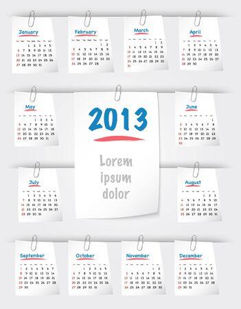 sticky notes: Kalender voor 2013 jaar op post-its aan de achtergrond met paperclips. Zondag eerst.