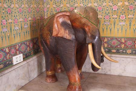 caving: wood caving elephant whit artificial bone