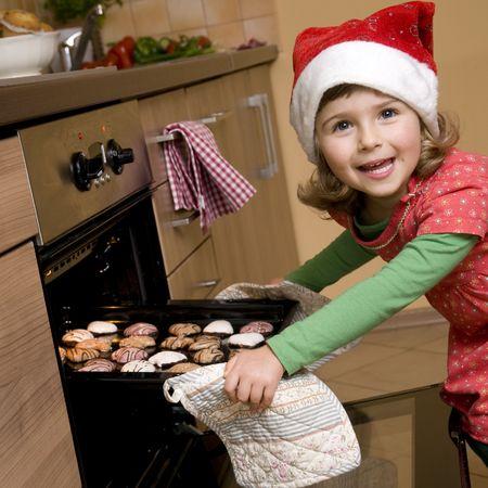 oven and range: Christmas cookies