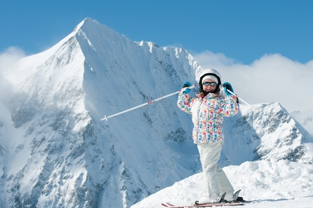 ski�r: Gelukkig weinig skiër  Stockfoto