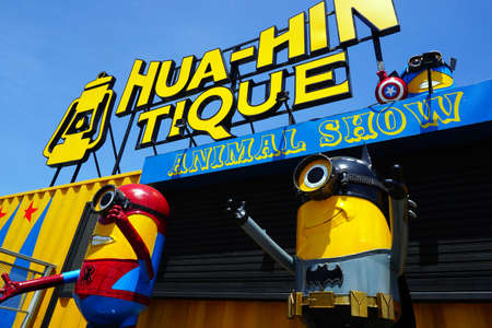 huahin: Hua-Hin beach,Thailand - 18 july 2016 : Recycled metal steel Robots theme park at Hua Hin Tique animal show : minion in spiderman and batman uniform suit