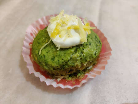 vegan spinach cupcake with white sauce