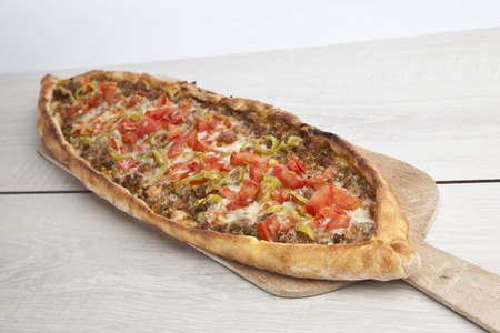 Turkish pide beef and cheese pita 版權商用圖片