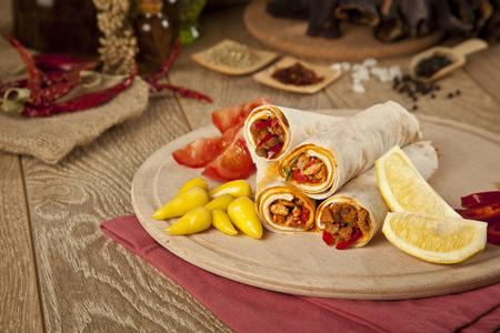 durum: Viande de boeuf Tantuni est une sorte de kebab turc dur lavash traditionnelle