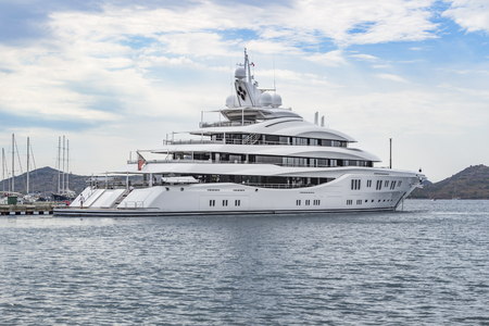 insolación: Luxury motoryacht in the Mediterranean
