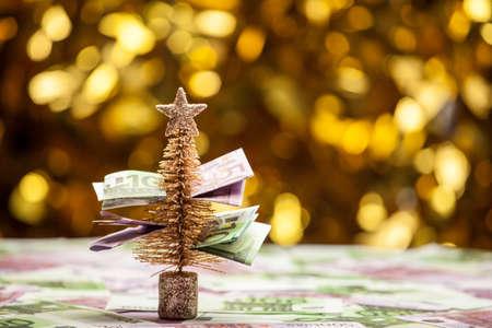 fir tree money table gold bokeh