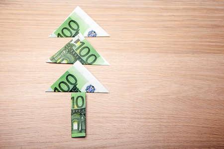 money tree symbol table background