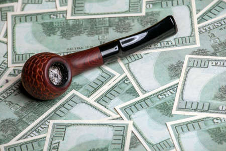 image of tobacco pipe money
