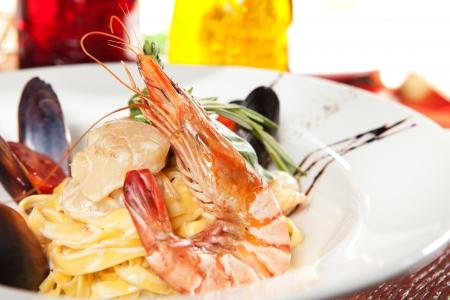 spaghetti with seafood photo