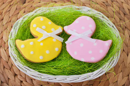 backgroung: Ducks as Easter traditional Gingerbread cookies backgroung Stock Photo