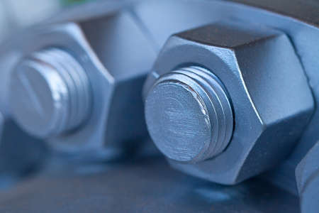 Joint of two flanges by bolts and nuts